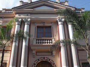 Fachada del Palacio Arzobispal de Manizales