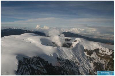 cráter arenas del volcán nevado del ruiz